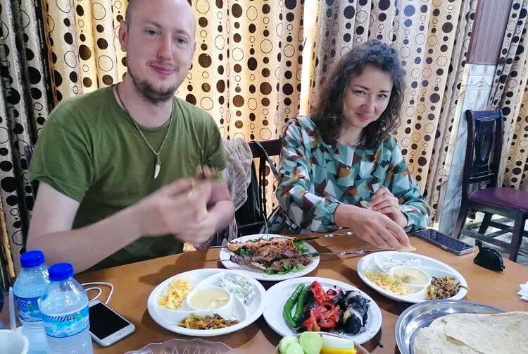 Anna and I eating kebab
